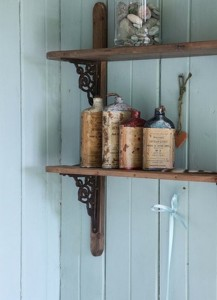 cool-ideas-to-use-vintage-bottles-in-decor-12