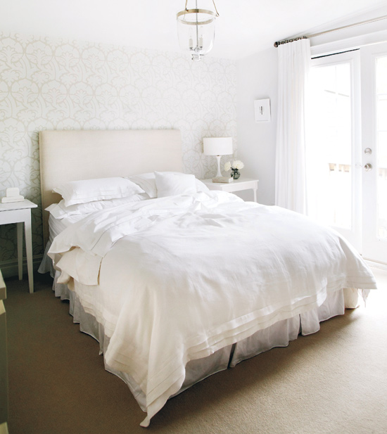 Wonderful whites This bedroom is a perfect showcase of how a room can be decorated in all white but be full of character. The tones range from cream to brilliant white, giving the room depth.