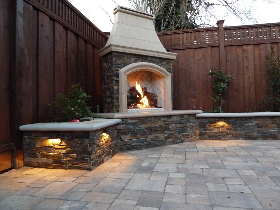 Outdoor fireplace designs for everyone for Patio fireplace plans