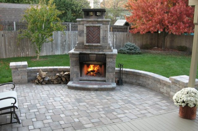 http://www.twobrothersbrickpaving.com/outdoor-fireplaces#.UwqhIZG4lFI