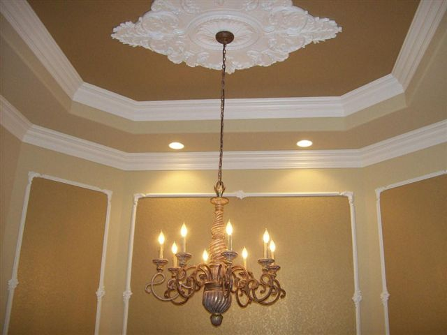 http://agreport365.com/crown-moulding-adding-a-touch-of-glamour-to-your-home-decor-2/