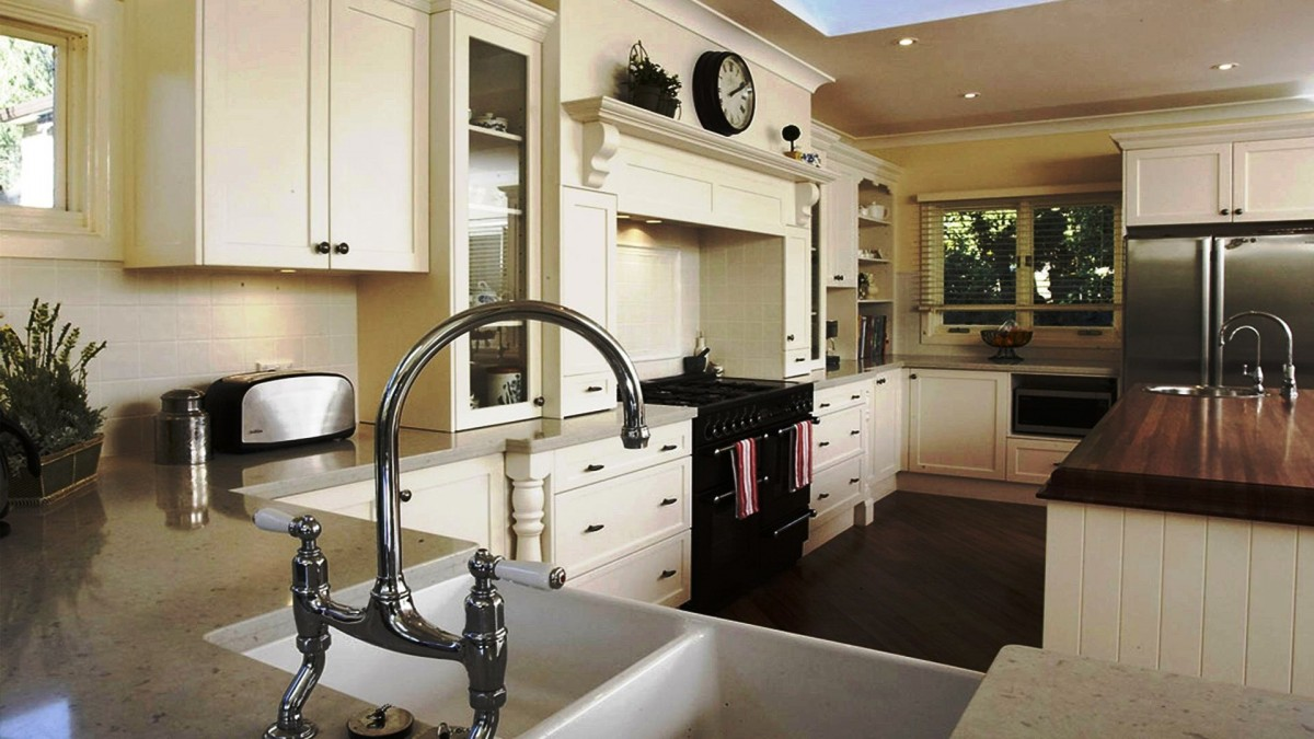 Top 15 best looking kitchen faucets for Top kitchen layouts