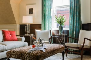 15-Interiors-With-Leopard-Print-Patterns-12.jpeg
