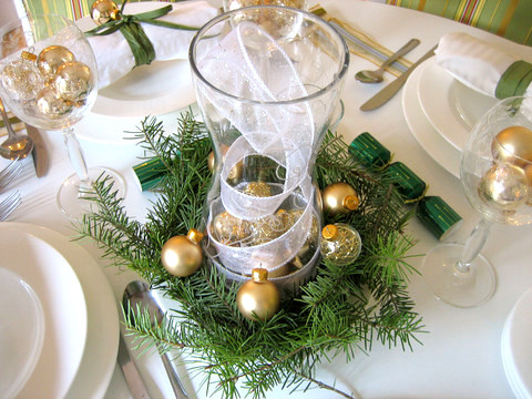 homemade_christmas_table_decorations_christmas_decorations__5_ways_to_decorate_your_holiday_table_on_a - Holiday Table Decorations Christmas