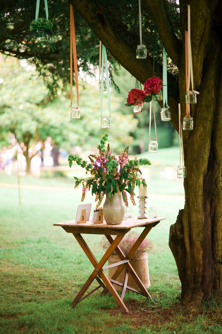 Romantic Outdoor Hanging Vases. Ideal not only for receptions, but for your spring garden too