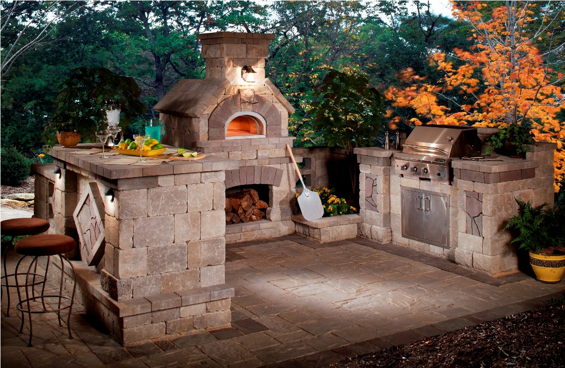 a pizza oven is a great feature to include in an outdoor kitchen fanelis - Outdoor Kitchen Designs Photos