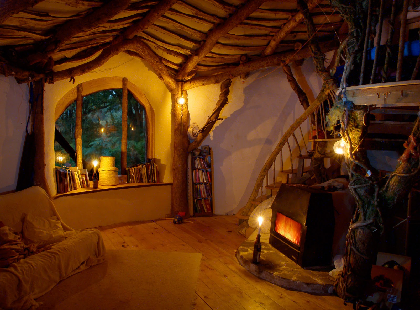 The magic of a hobbit house for Build a house for under 5000 dollars