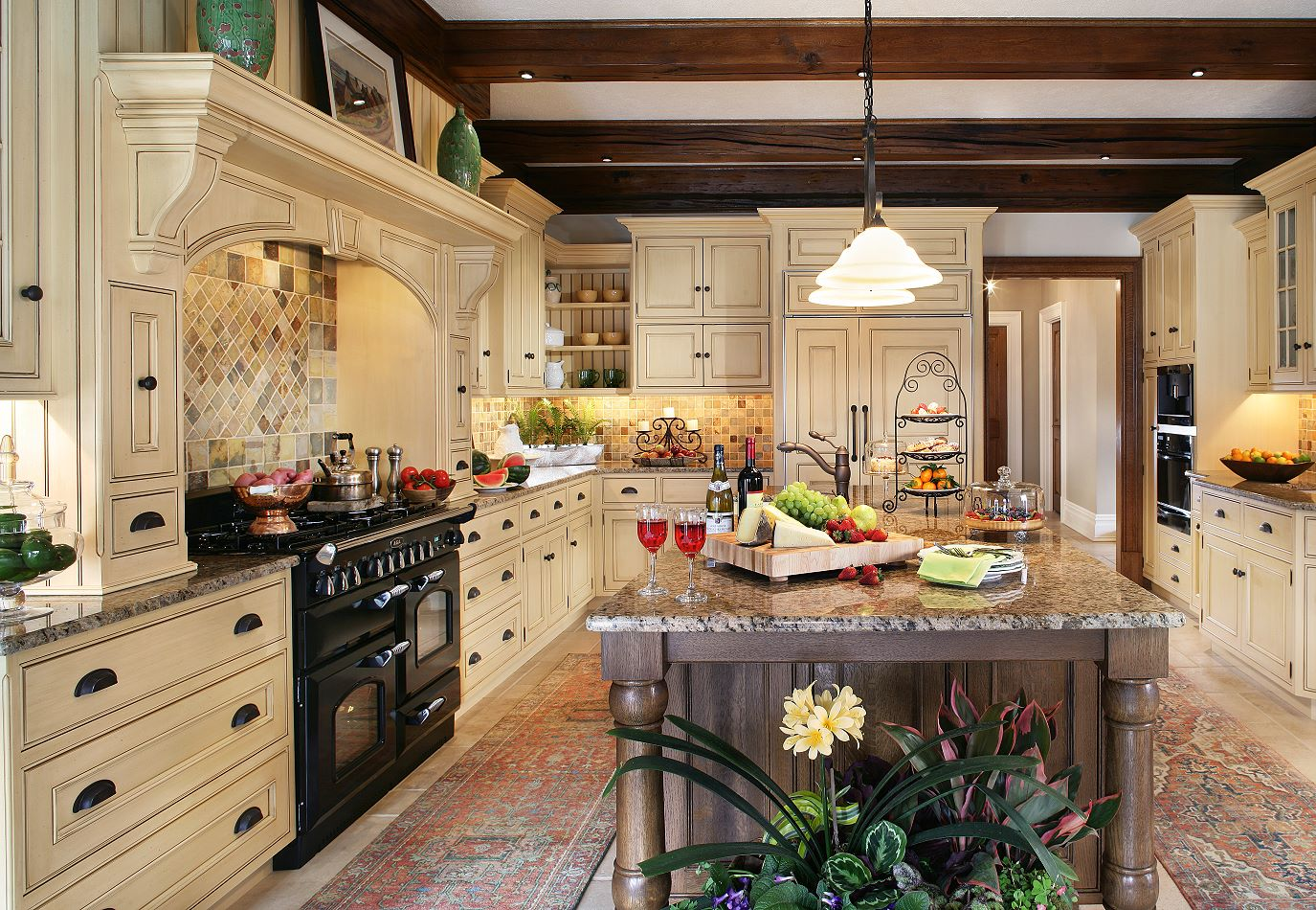 Home Kitchen Design Ideas ~ The enduring style of traditional kitchen
