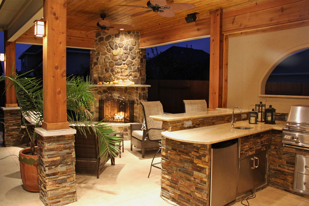 Upgrade your backyard with an outdoor kitchen for Covered outdoor kitchen designs