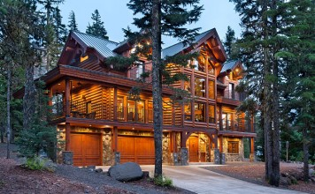 Luxurious country log home