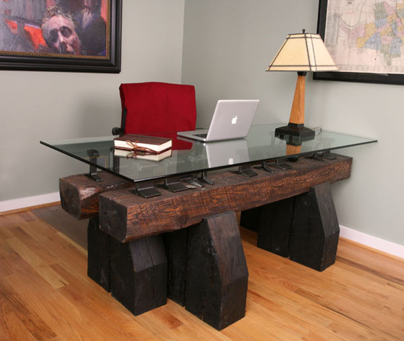 beautiful wood highlights this modern desk