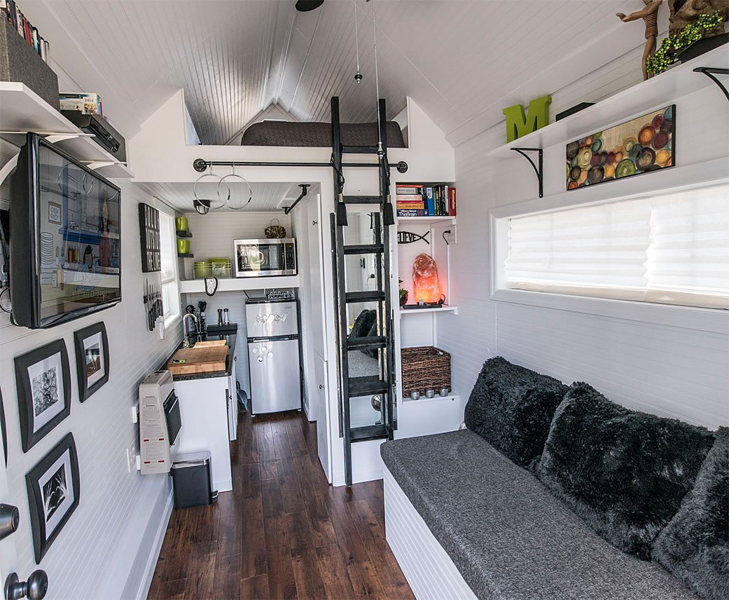 Tiny house living for big rewards for Contemporary tiny house