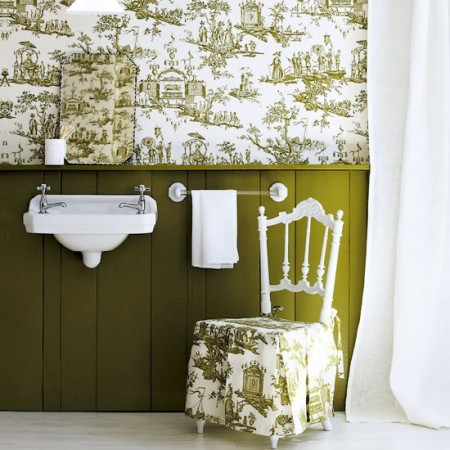 Classic green toile in a bathroom