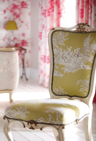 A subtle upholstery in toile