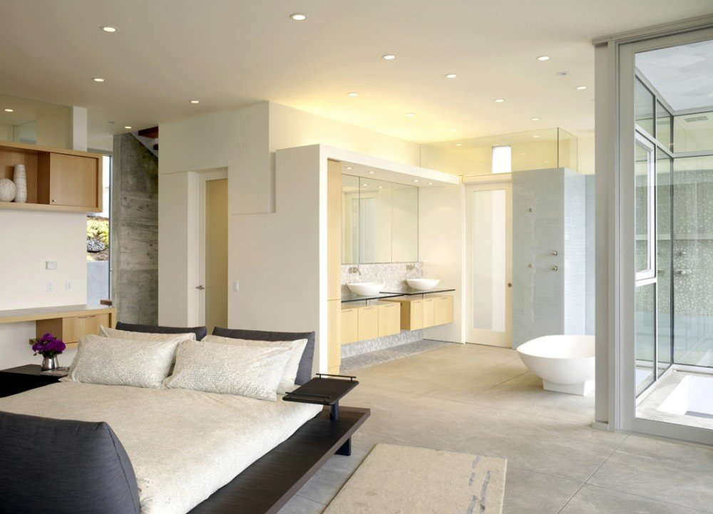Open bathroom concept for master bedrooms for Master bedroom and bath plans