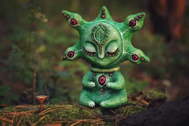 Amazing hand made alien dolls by Maryana Kopylova (7)