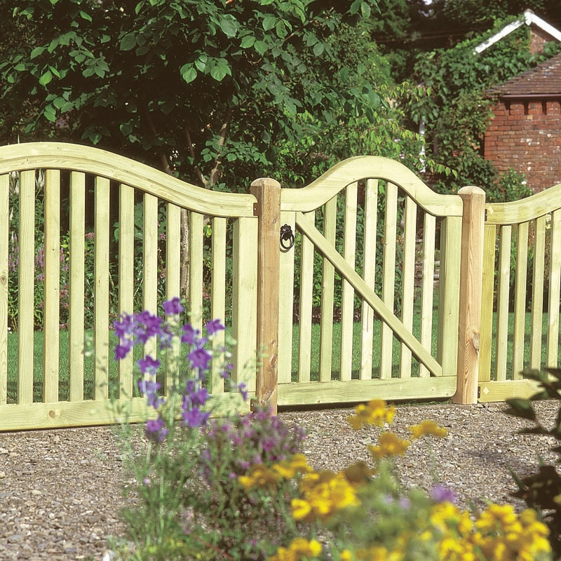 ... Pretty Curved Wood Garden Gate