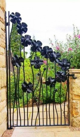 Pretty floral iron gate design