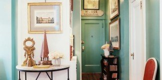 Enhance your hallway with art, tables and lighting