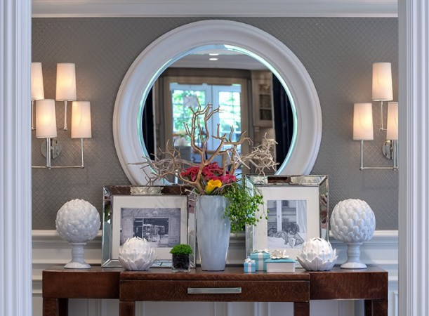 A smart tablescape enhances a hallway