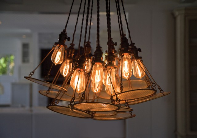 Edison bulb lighting fixture adds a industrial flair
