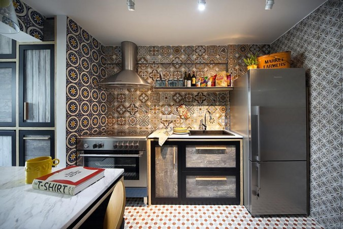 Lively kitchen tiles give this space interest and dimension