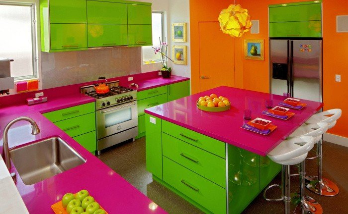 Dynamic color makes this kitchen sing