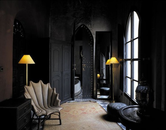 Sometimes it's not bold color but dark that grabs your attention in a room