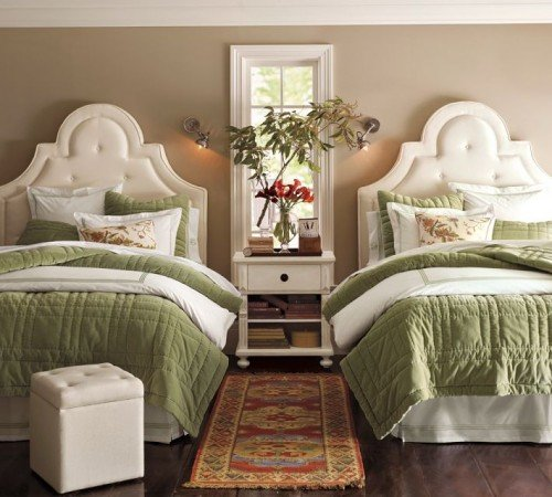 Personalize a guest room with twin beds with fresh flowers