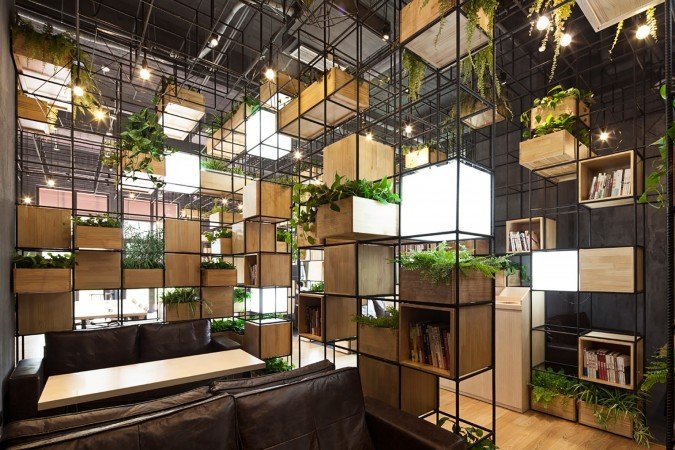 Modular cubic frames give a new dimension to this cafe (www.archdaily.com)