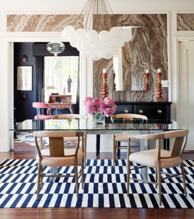 Marbleized walls lend a natural element to this dining space