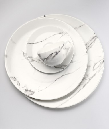 Marbleized dinnerware