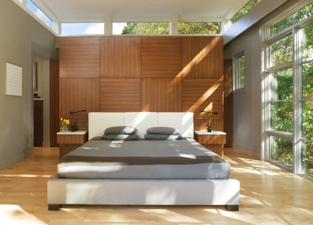 Simplicity makes for a serene bedroom