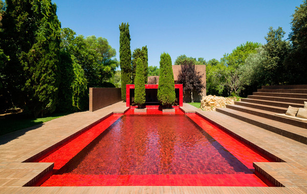 Amazing red swimming pool