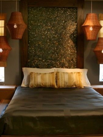 headboard with stones