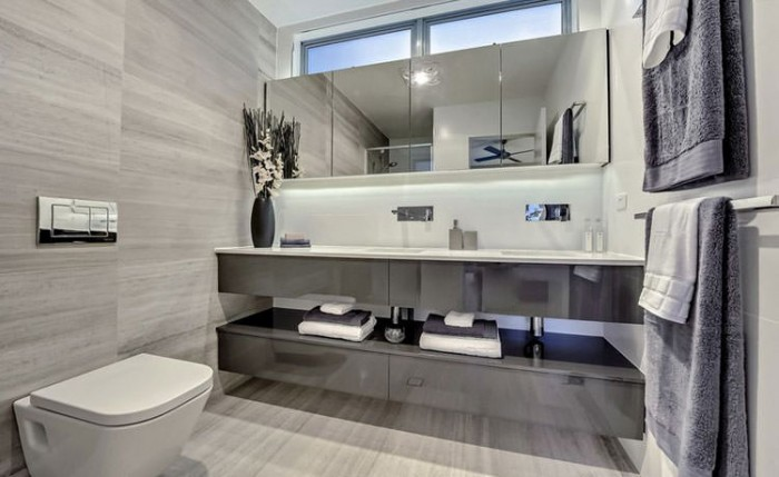 relaxing modern bathroom