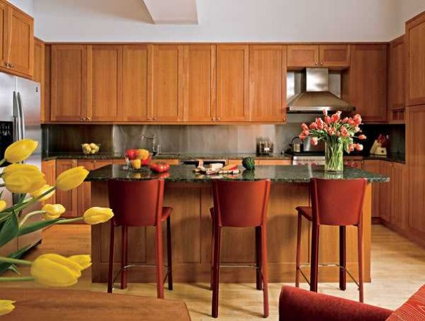 Autumnal colors in this modern kitchen