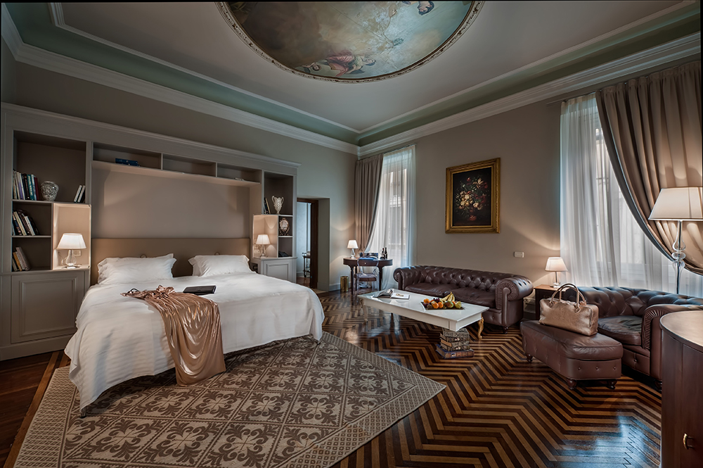Hotel rooms to inspire your bedroom design for Hotel luxury world