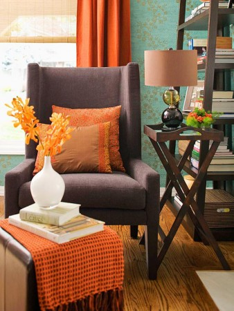 Bring autumn into your rooms with cozy pillows and throws