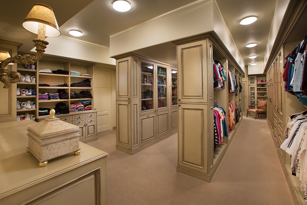 Luxury walk in closets for His and hers walk in closet