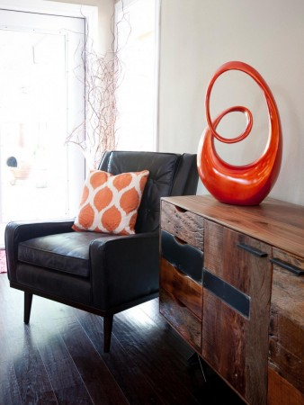 Accessories and pillows add touches of color