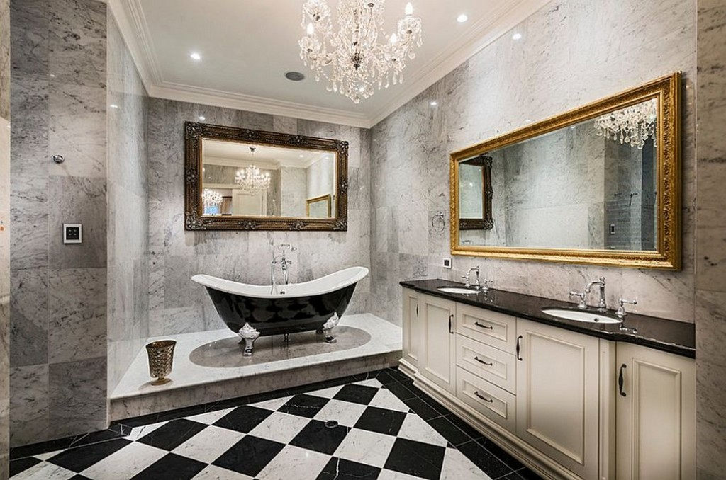 ... Elegant Clawfoot Tub Bathroom