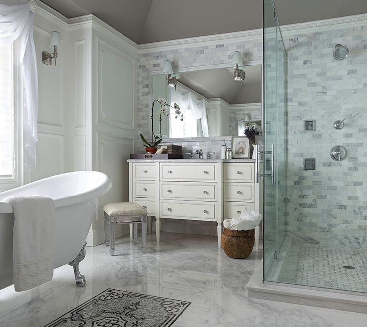... Modern Bathroom With Clawfoot Tub