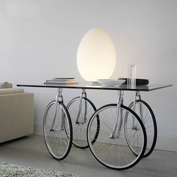 Bicycle Wheels Make An Interesting Table