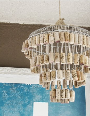 DIY chandelier made with wine corks