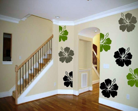 amazing way for decorating an entryway with flower stencils