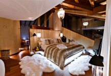Fur creates a warm and luxurious bedroom