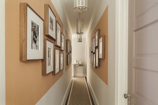 creative and easy way to decorate hallways
