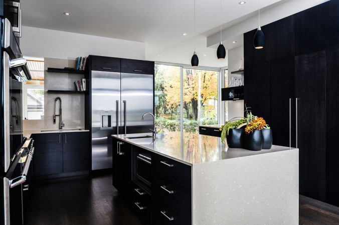 Sleek and stylish black kitchen