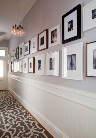 easy way to furnish a small hallway with photos